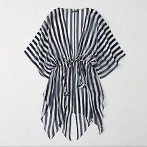 NWOT. Tie-Waist Kimono